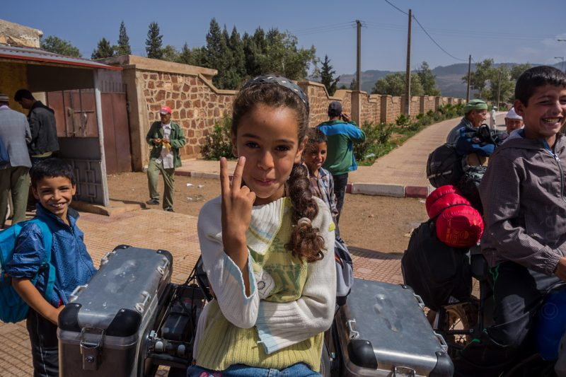 Les gamins d'Aghbalou ont envahi les motos