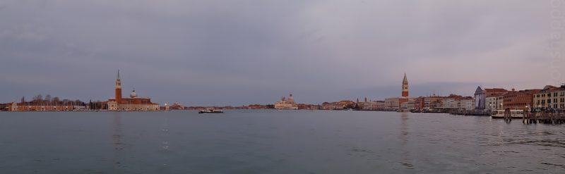 Une dernière photo de la lagune, prise depuis le quai devant l'hôtel