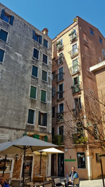 C'est le seul endroit de Venise où on peut voir des immeubles de sept étages!