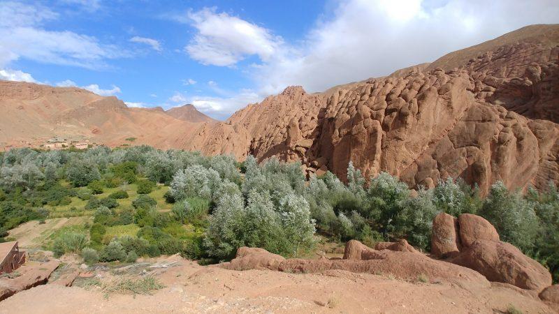 Les formations rocheuses au sud des gorges