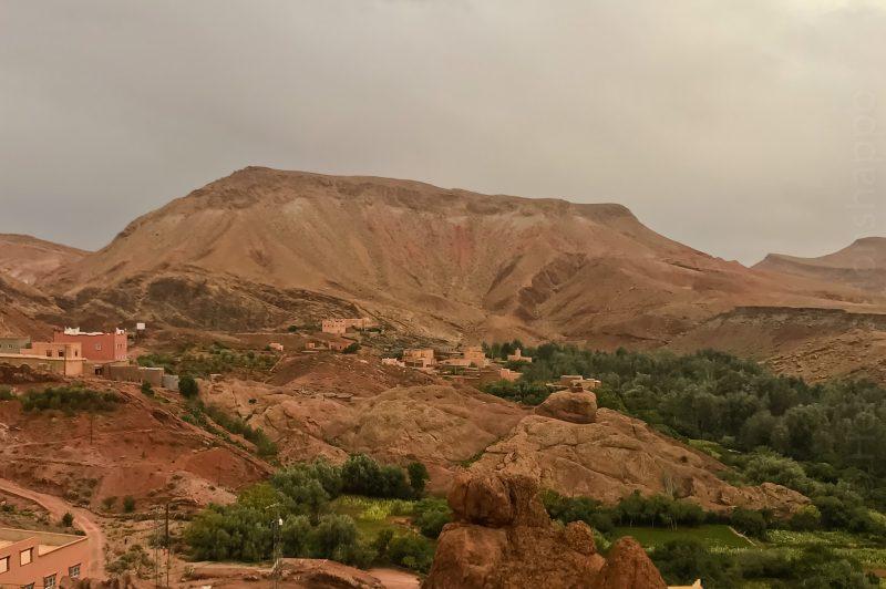 De la terre et de la roche de toute les couleurs